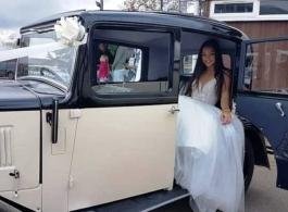 1934 vintage car for weddings in Dorking